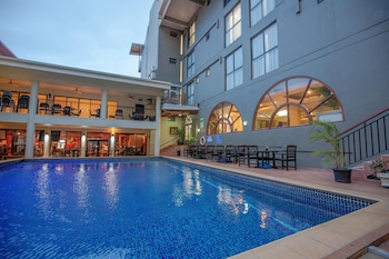 Picture of Ela Beach Hotel & Apartments in Port Moresby