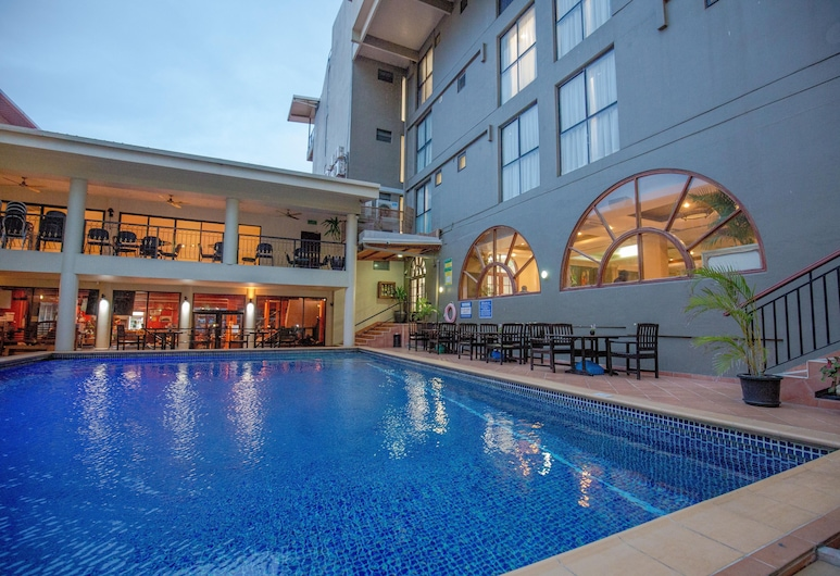 Ela Beach Hotel & Apartments, Port Moresby, Außenpool