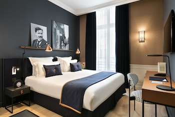 Picture of Hotel Square Louvois in Paris