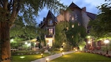 Reserve this hotel in Montlucon, France