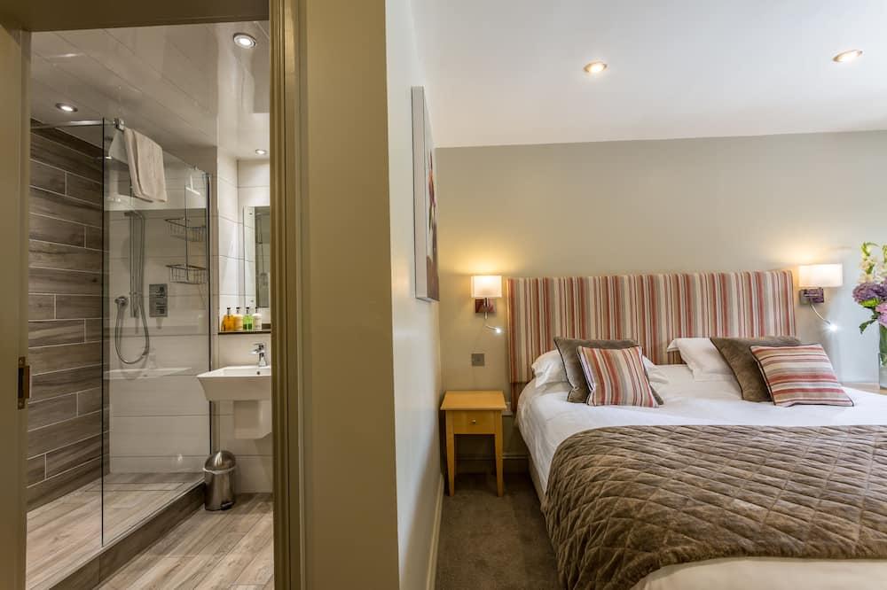 Deluxe Double or Twin Room, 1 Bedroom - Guest Room