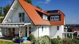 Imagen de Vacation Apartment in Friedrichshafen 9325 1 Br apts by RedAwning en Friedrichshafen
