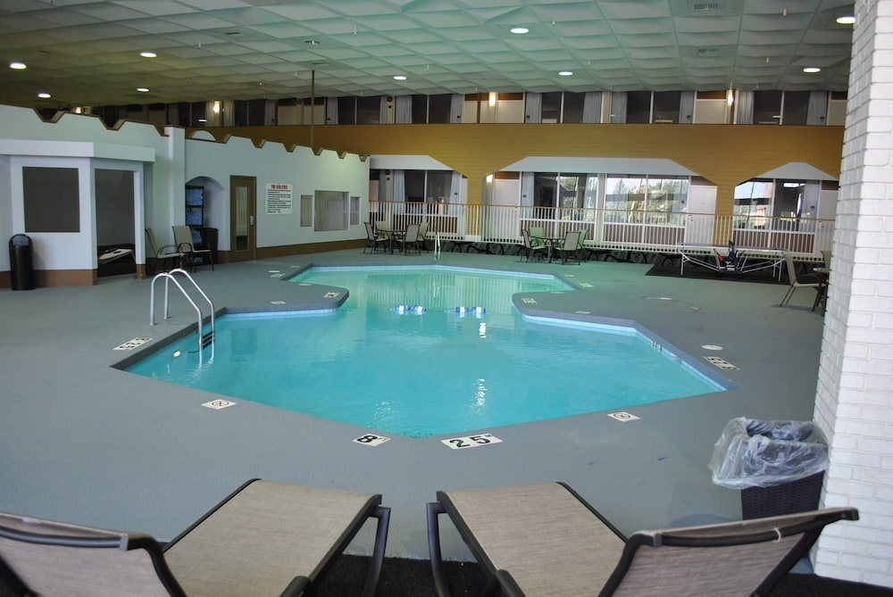 C3 Hotel Convention Center Hastings Indoor Pool