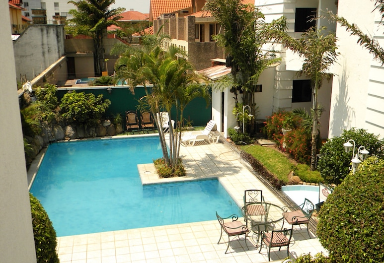 Royal Lodge Hotel, Santa Cruz, Buitenzwembad