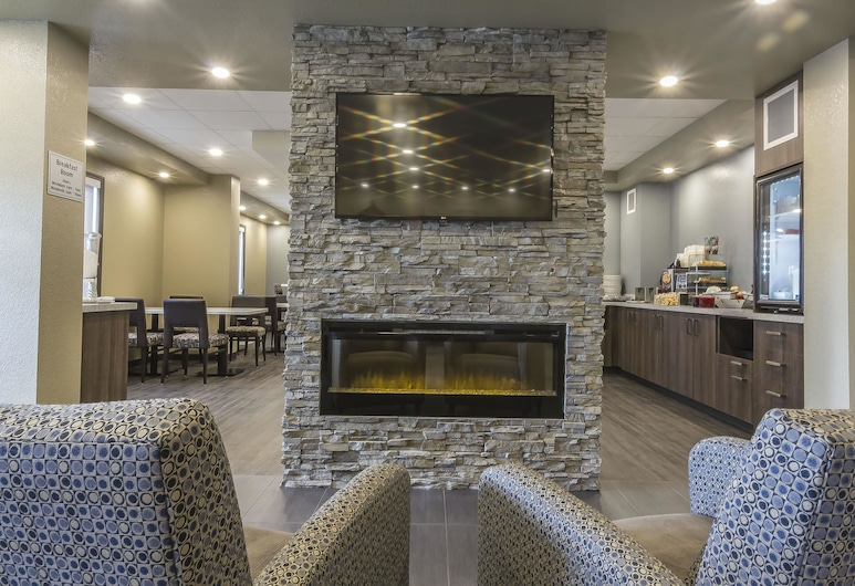Quality Inn & Suites, Moose Jaw, Lobby