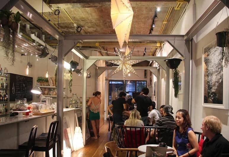 Good One Poshtel & Café Bar, Bangkok, Zitruimte lobby