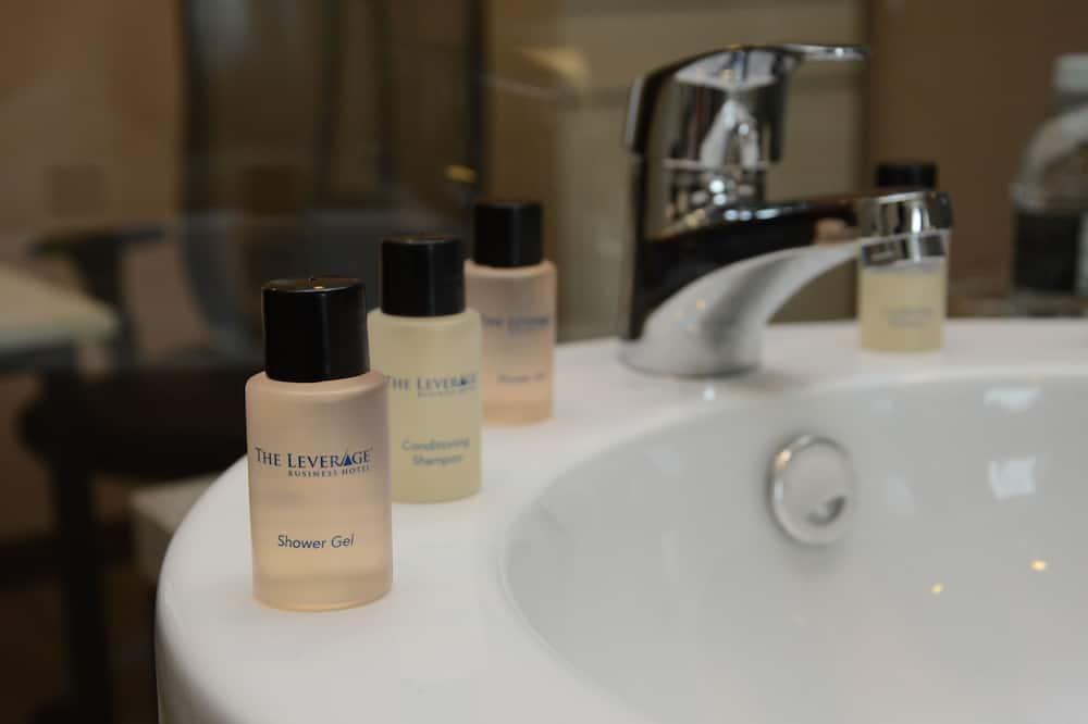 Superior King - Bathroom Amenities