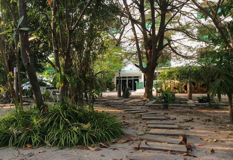 Chomdao Hotel, Rayong, Enceinte de l'établissement