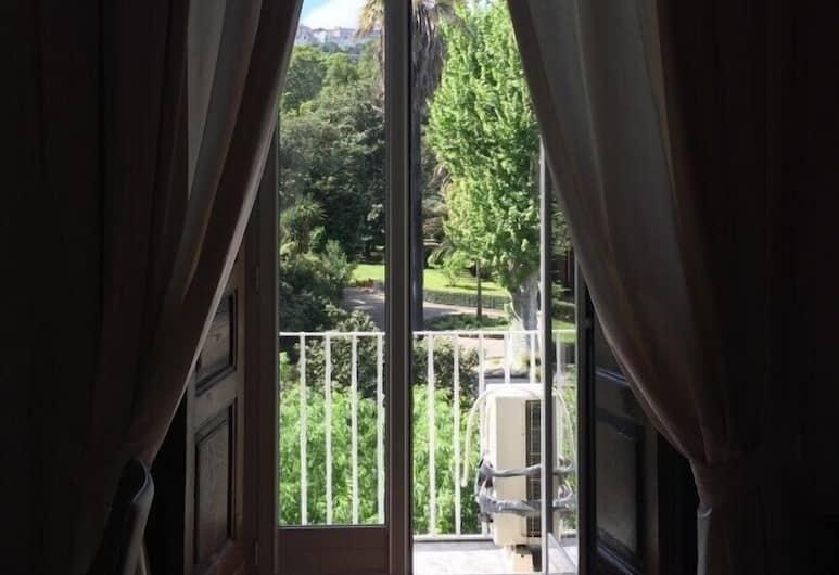 B&B Napolimilionaria, Napoli, Superior dobbeltrom, utsikt mot hage, Utsikt fra gjesterommet