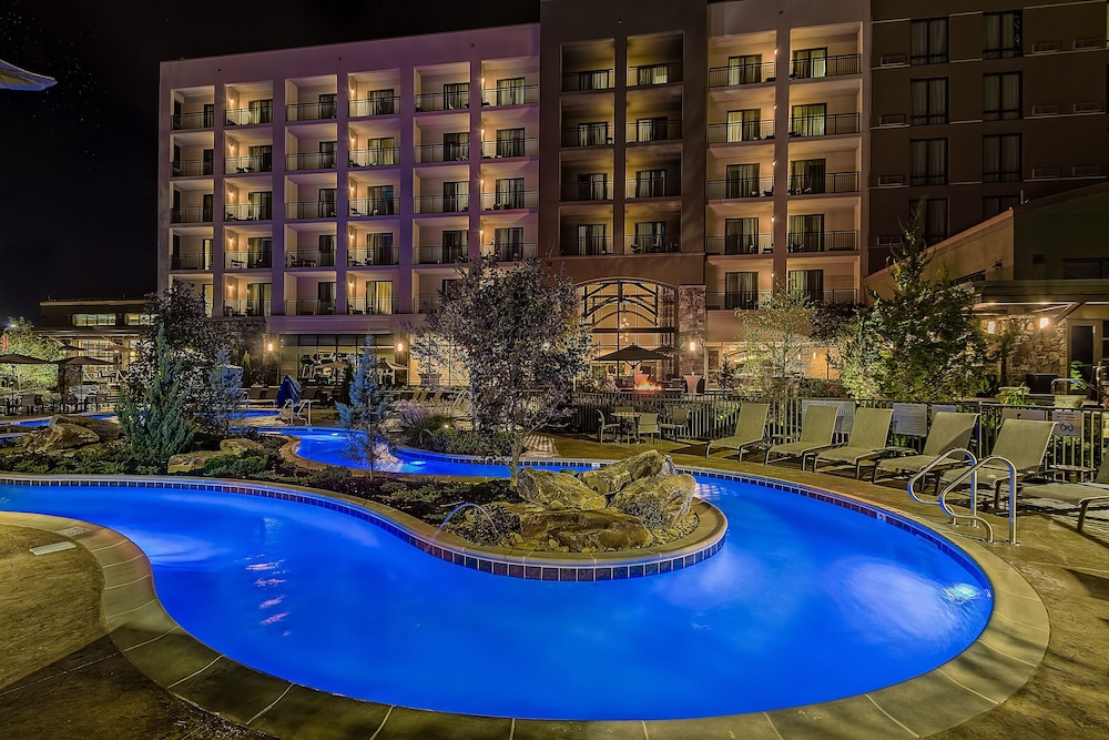 Book Courtyard by Marriott Pigeon Forge in Pigeon Forge