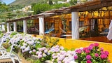 Foto di Villa La Rosa a Filicudi
