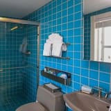 Room, 1 King Bed, Non Smoking (Loft - Adults Only) - Bathroom