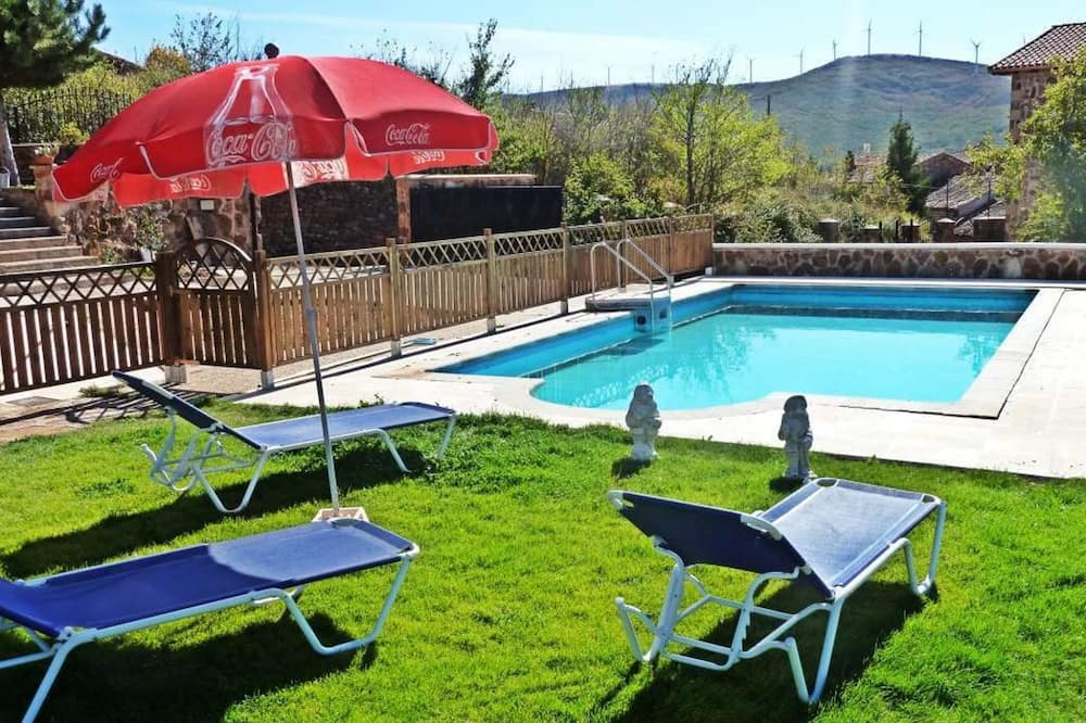 House, Multiple Bedrooms - Outdoor Pool
