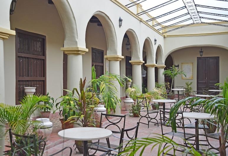 Hotel La Avellaneda, Camagüey, Hotelový bar