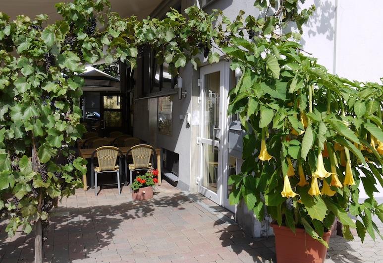 โรงแรมพิงเงอร์, Remagen, คอร์ทยาร์ด