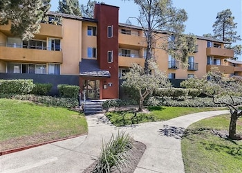Picture of 2 Br apts in Mountain View by RedAwning in Mountain View