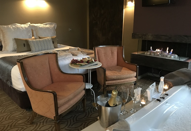 Spa Suites at Raven, Hepburn, Luxusný apartmán (Tranquility Spa Suite), Hosťovská izba