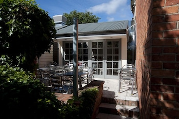 Picture of Lowena Cafe and Accommodation in Hobart