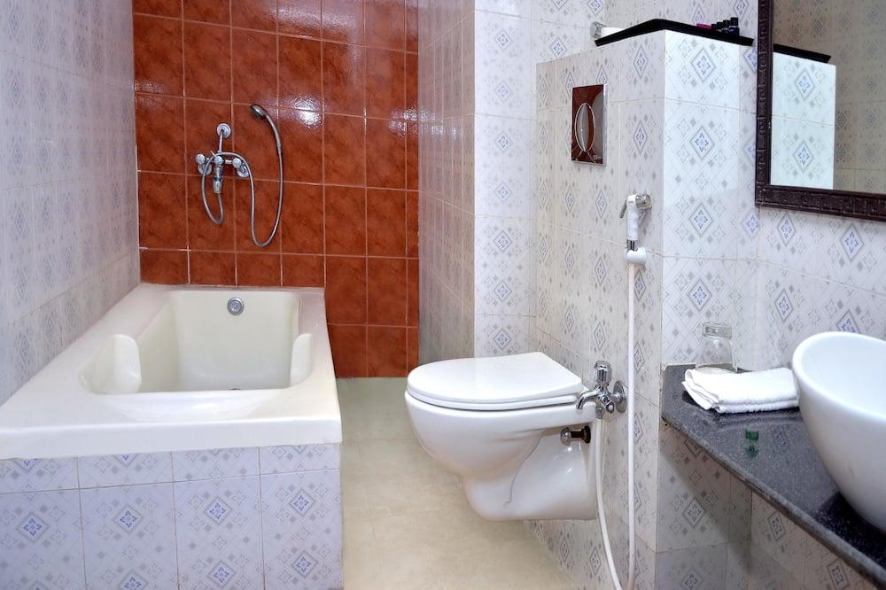 Suite Premium, 1 habitación, con acceso para silla de ruedas, vista al patio - Baño