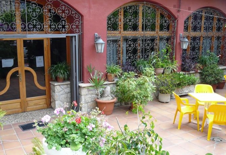 Hotel Morell, El Morell, Property Grounds
