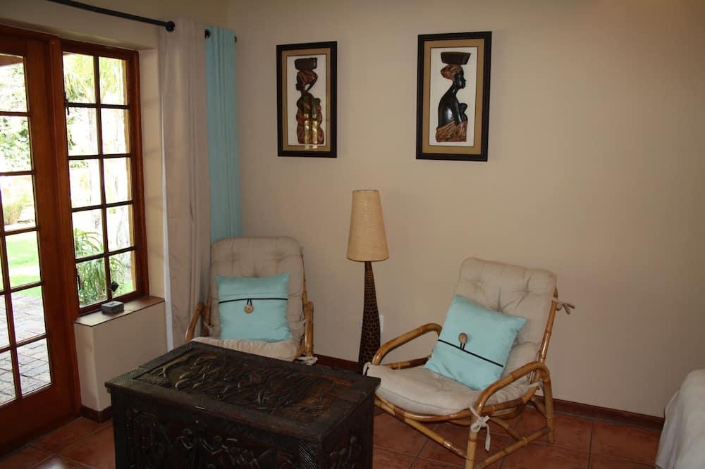Standard Apartment, 1 Bedroom (AMANZI) - Ruang Tamu