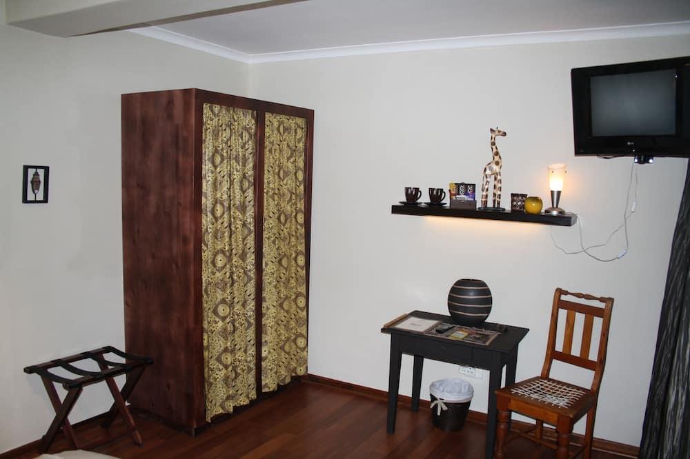 Standard Double Room, 1 Bedroom (INKWESI) - Ruang Tamu