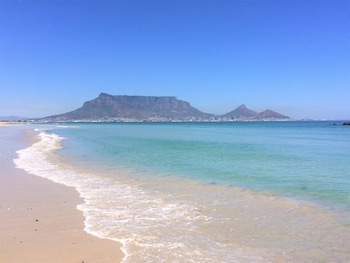 Slika: Ocean Breeze Sunset Beach ‒ Cape Town