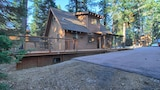 Foto di 405 Lewis Ave 3 Br home by RedAwning a Tahoma