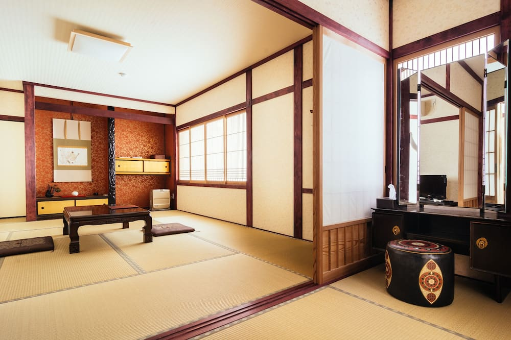 Deluxe Room, Non Smoking, Private Bathroom - Ruang Tamu
