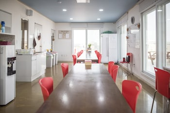 Picture of Big-O Show Guesthouse - Hostel in Yeosu