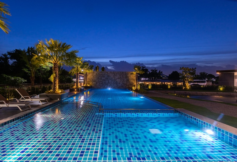 iChapter Hotel Suvarnabhumi, Bang Phli, Piscina al aire libre