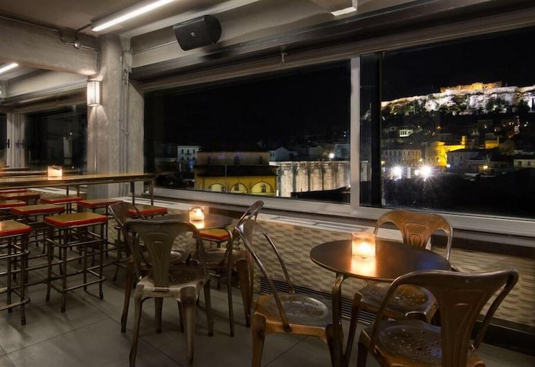 360 Degrees, Atena, Hotelski bar