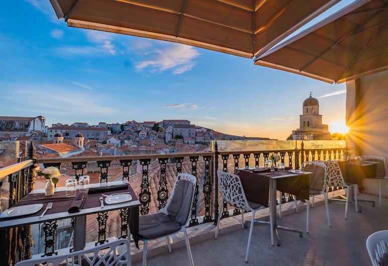 Dubrovnik Luxury Apartments, Ντουμπρόβνικ, Γεύματα σε εξωτερικό χώρο