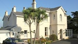 Choose this Apartment in Torquay - Online Room Reservations