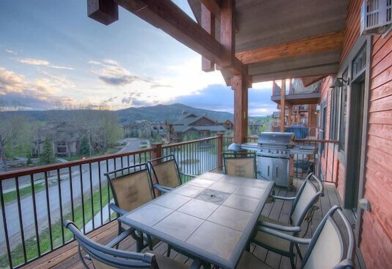 5206 Emerald Trappeur s 5 Br condo by RedAwning, Steamboat Springs, Balkón