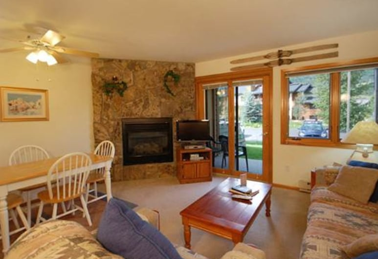 The Pines miniums P104E 1 Br condo by RedAwning, Steamboat Springs