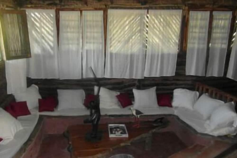 Superior Bungalow (Aushun) - Living Room
