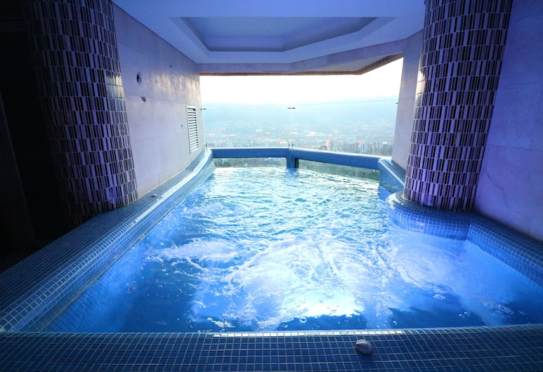 Binn Hotel, Medellin, Bazén