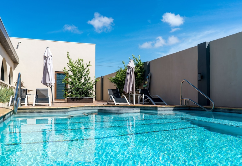 Bubali Luxury Apartments - Adults Only - Wheelchair Friendly, Noord, Buitenzwembad