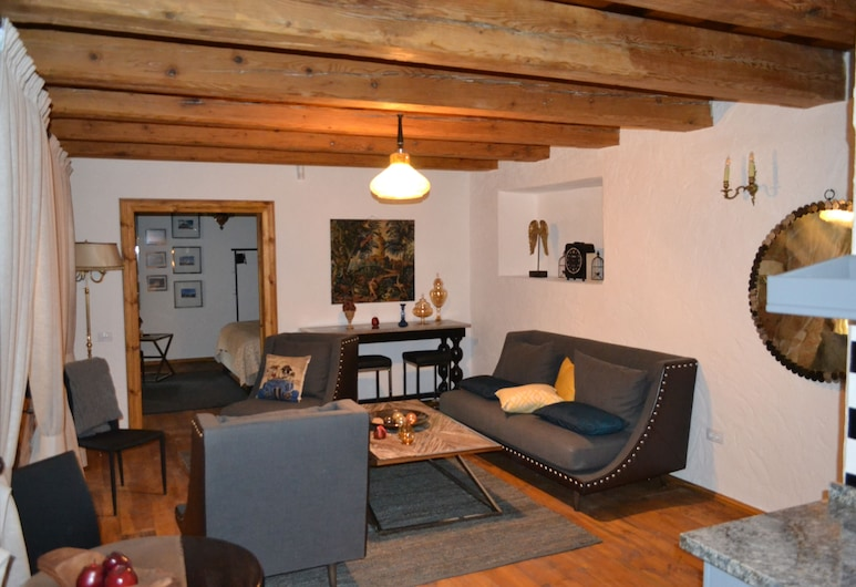Casa Veche, Brasov, Apartment, 1 Bedroom, Living Area
