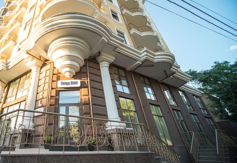 Vintage Hotel on French Boulevard, Odessa, Porch