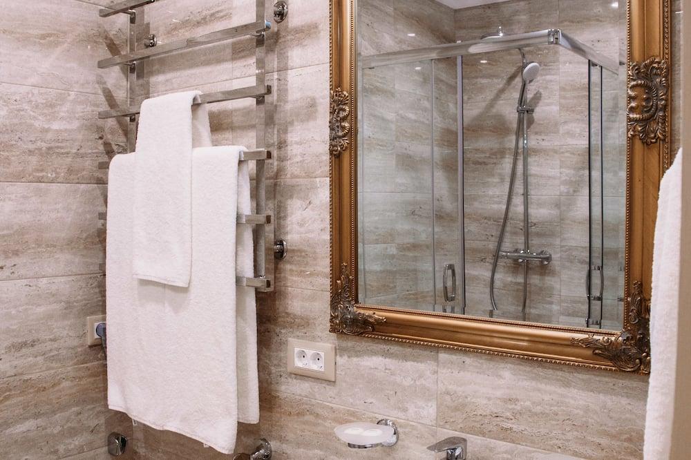 Standardní pokoj s dvojlůžkem nebo dvěma jednolůžky - Koupelna