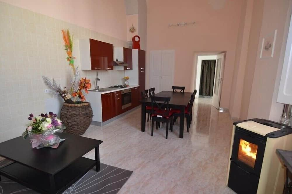 Economy Apartment, 1 Bedroom - In-Room Dining