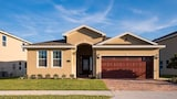 Nuotrauka: Reunion Escape at Encore Club Pool 4 Br home by RedAwning, Deltona