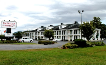 Picture of American Motel in Lenoir