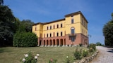 Choose This Free Breakfast Hotel in Torrita di Siena