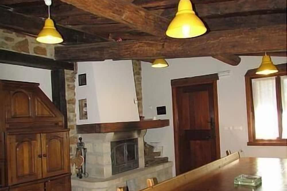 Apartemen, 3 kamar tidur - Tempat Makan Di Kamar
