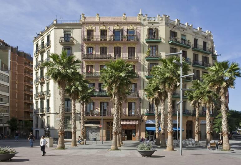 Flateli Jaume Fabra, Barcelona, Utvendig