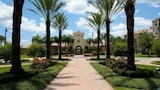 Foto di 3 bed 3 5 bath Townhome close to Theme Parks by RedAwning a Orlando