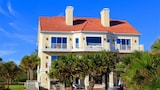 Foto di Bella Vista Mansion 8 Br home by RedAwning a Palm Coast